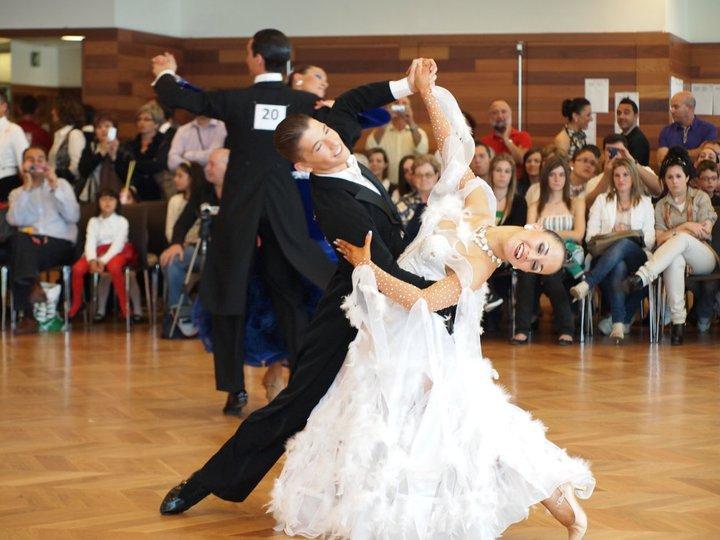 Alvaro y Cristina profesores escuela de baile Zaragoza