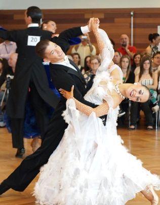 Alvaro y Cristina, profesores escuela de baile Zaragoza